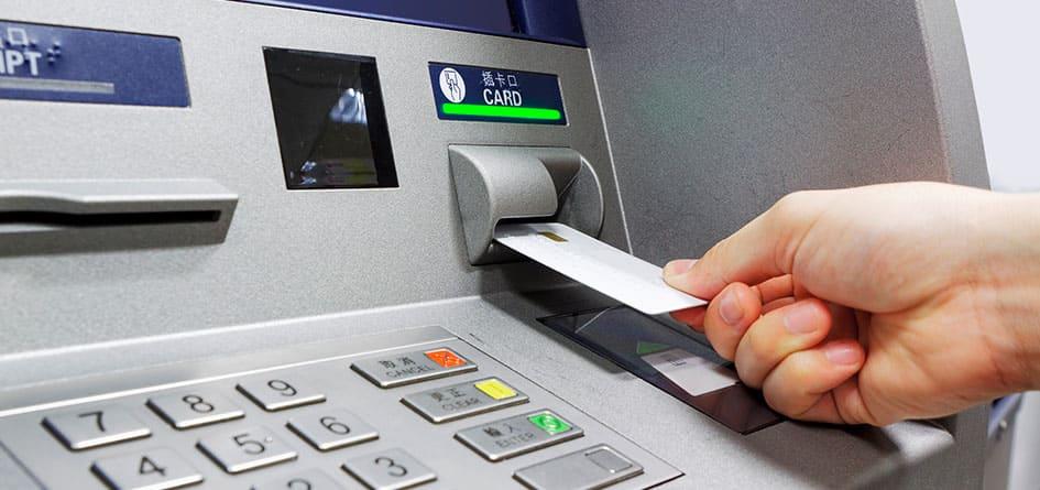 Преимущества разных способов получения займа: карта, электронный кошелёк, наличные